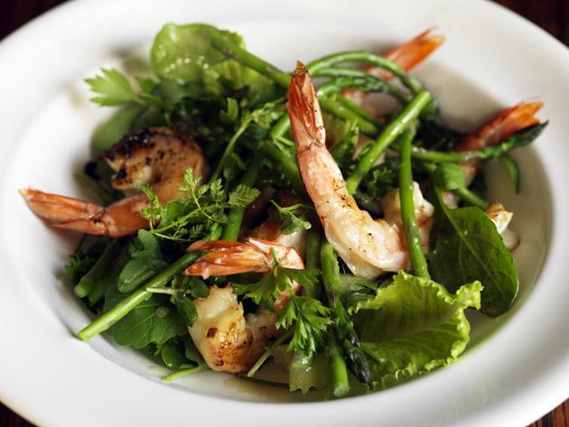 Griddled prawn and asparagus salad