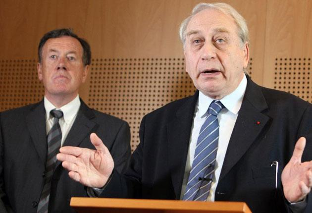 The head of France's accident investigation agency Paul-Louis Arslanian, right, speaks as investigator in charge Alain Bouillard looks on, during the news conference