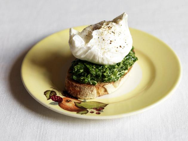 Creamed sea spinach on toast with a poached hen's egg
