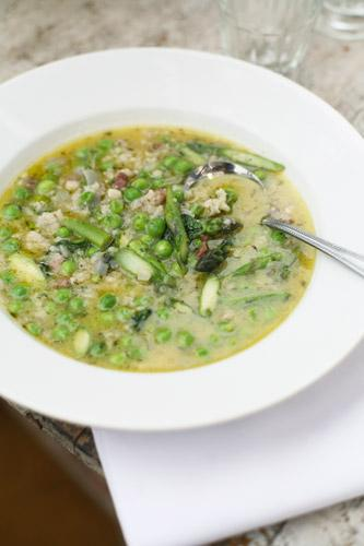 Pea and asparagus soup with pancetta and rice