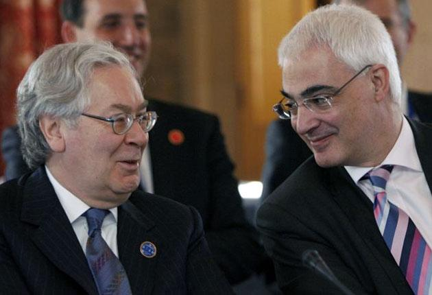 Alistair Darling and Mervyn King disagree fundamentally about hugely important economic issues