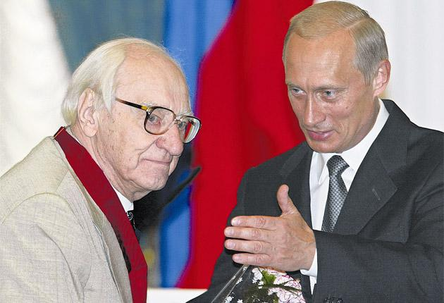 Pokrovsky (left) receives an Order of Merit For The Fatherland from Russian president, Vladimir Putin, in 2002