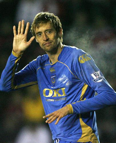 Peter Crouch wants to join Tottenham but Fulham are still hopeful of changing the striker's mind