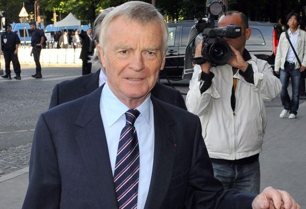 Max Mosley broke news of the deal's signing four days before the teams wanted him to