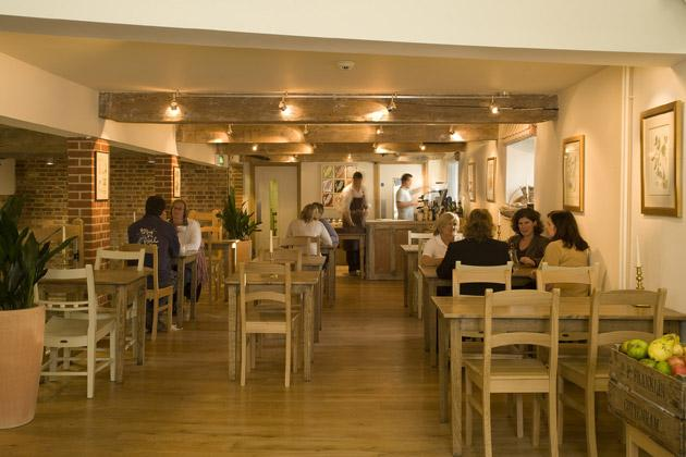 The Metfield Café is an offshoot of Metfield Bakery and is a great place to sample the best Suffolk produce