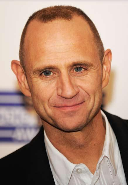 """Evan Davis's questioning of Michael Gove as """"disgracefully feeble"""""""