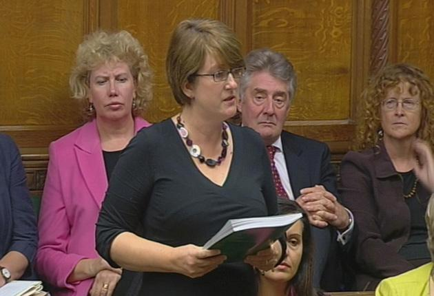 The former home secretary Jacqui Smith makes a formal apology to the House of Commons for breaching rules on second home expenses as fellow Labour MPs Meg Munn (back left), Tony Lloyd and Caroline Flint look on