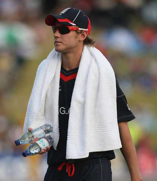 Broad is 'not an international all-rounder' claims Warne
