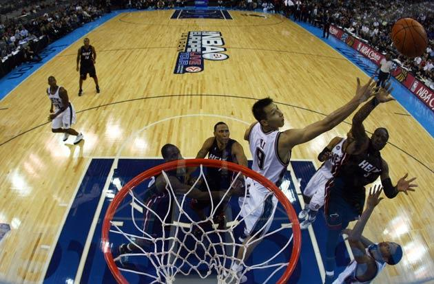<b>Slam Dome</b><br/> This year the NBA followed the path trodden by the NFL and brought their 'product' to London. Chicago Bulls took on The Utah Jazz in a pre-season friendly at the O2 in front of a capacity crowd. The evening was deemed a huge success