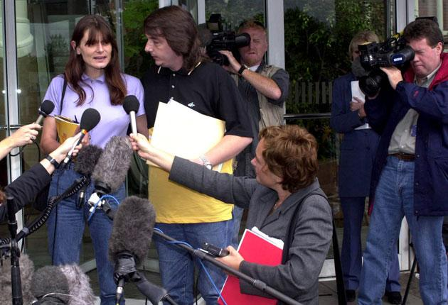 Sara Payne with her husband, Michael Payne, after meeting 'News Of The World' executives in 2000