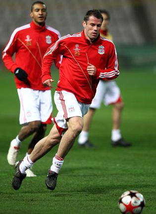 Liverpool's Jamie Carragher trains in Budapest last night