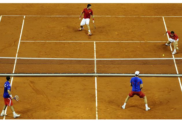 Take it as red: Feliciano Lopez, at full stretch in the Davis Cup
