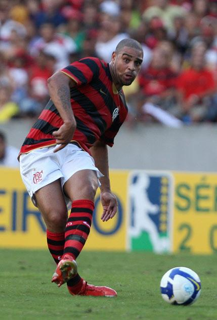 <b>Adriano</b><br/> Brazil striker Adriano is interesting a number of Europe's clubs ahead of the January transfer window, according to his agent Gilmar Rinaldi. The former Internazionale frontman has been plying his trade with Flamengo and his goals have