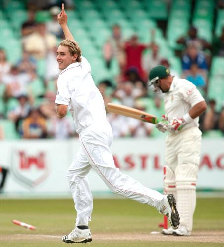 Stuart Broad celebrates dismissing Jacques Kallis 'with one that just nipped back when the seam was wobbling' during the second Test in Durban