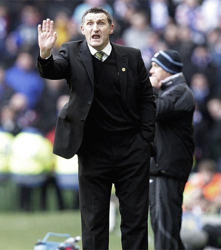 Tony Mowbray, the Celtic manager, is wants to keep his squad together as they enter the second half of the season