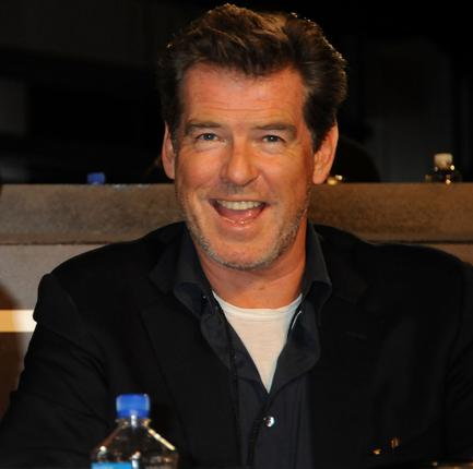Another Bond actor, Pierce Brosnan also answered calls from people wishing to donate