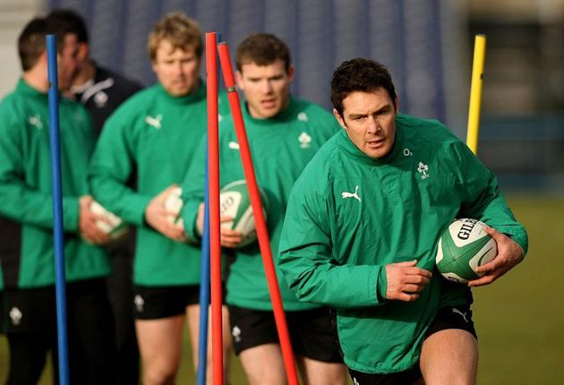 Flanker David Wallace leads the way as Ireland's players are put through their paces ahead of today's match with France