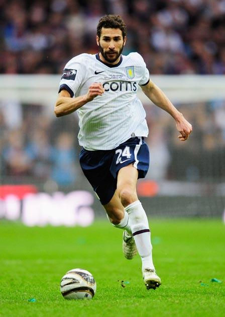 <b>ASTON VILLA</b><br/> <b>Carlos Cuellar</b> Struggled with the pace of Owen and with Berbatov's genius. 6