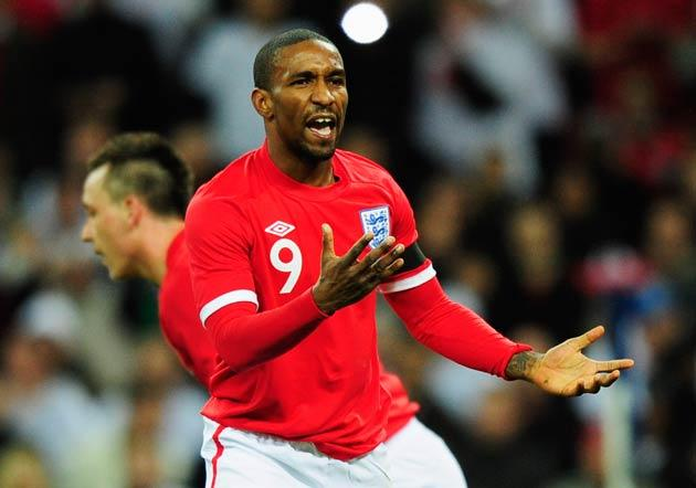 <b>Jermain Defoe:</b> Unexpected saviour early on with a goal-line clearance. Brought one good save later before going off at the interval. 6