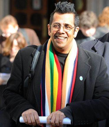 Simon Singh outside the High Court in London after his Court of Appeal victory