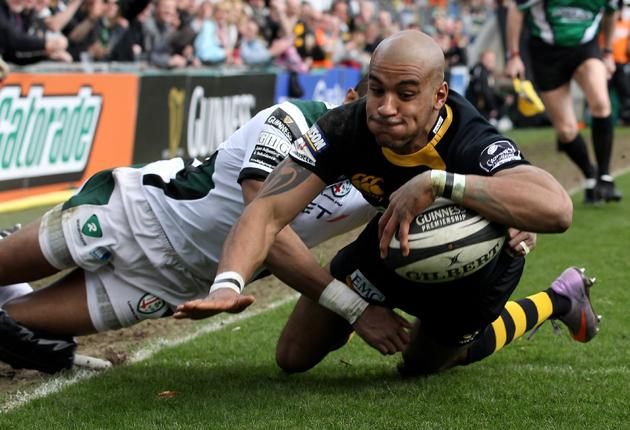 Tom Varndell dives over for Wasps from Dominic Waldouck's kick