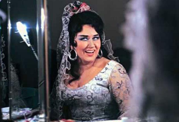 Arkhipova in 1972 before a performance of 'Carmen'