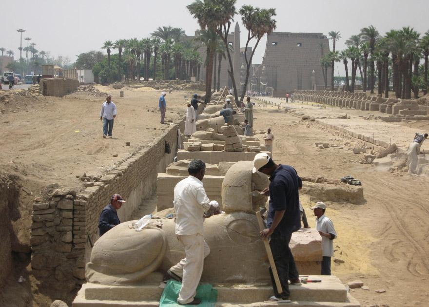 Restoration works at the Avenue of Sphinxes.