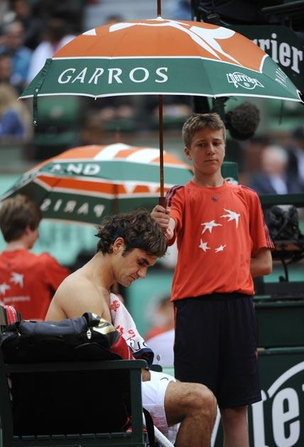 Federer's match was interupted by rain