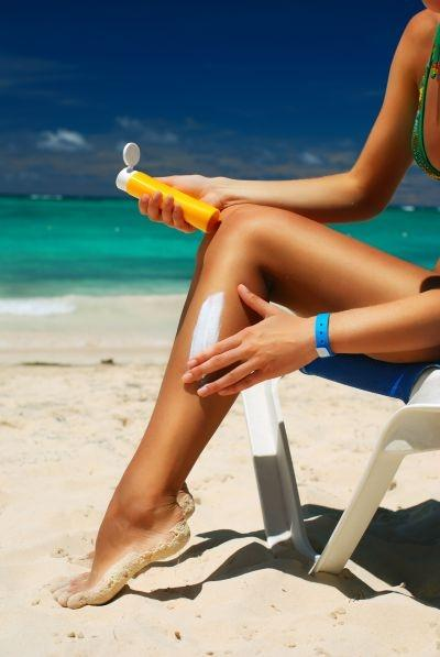 The US government tightens labeling laws on sunscreen products to help consumers make wiser choices.