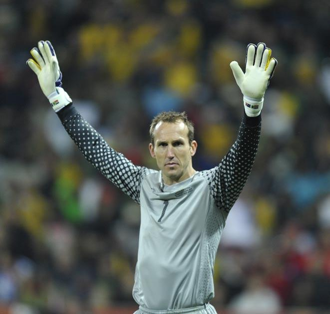 <b>Mark Schwarzer</b><br/> Manuel Almunia is widely regarded to be below the standard needed at the very top level. While he has the ability to produce some amazing performances (Barcelona in the Champions League for example), he is too often culpable for