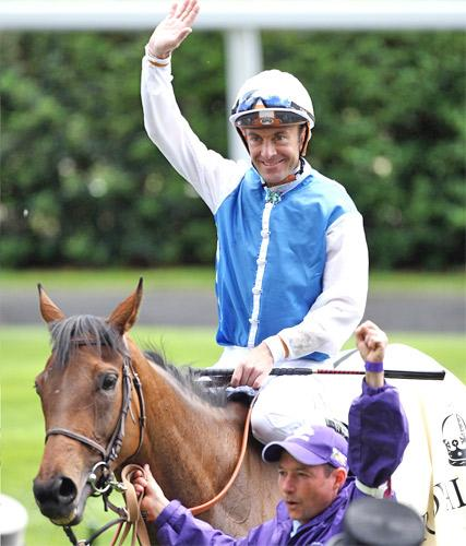 Olivier Peslier has been confirmed on Harbinger in the King George next week after volunteering himself to make the ride with no strings attached