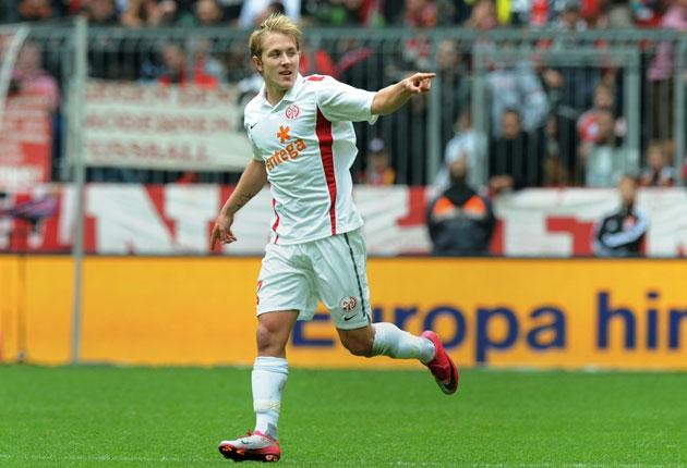 Mainz's Lewis Holtby celebrates his winning goal against Bayern Munich on Saturday