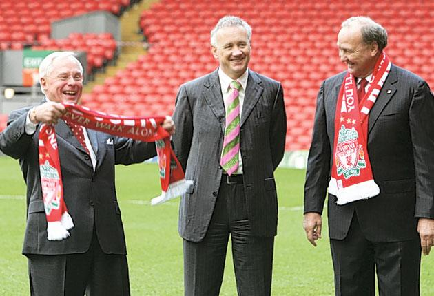 Tom Hicks (right) and George Gillett (left) with the then Liverpool chief executive Rick Parry following their takeover of the club in 2007