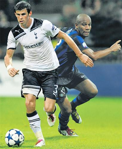 The battle between Gareth Bale and Maicon is one of many compelling duels to look forward to ahead of tonight's match