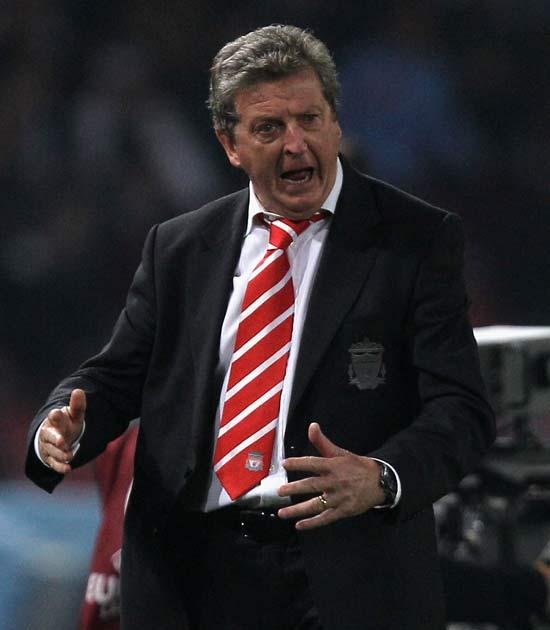 Hodgson gestures during Liverpool's Europa tie against Napoli
