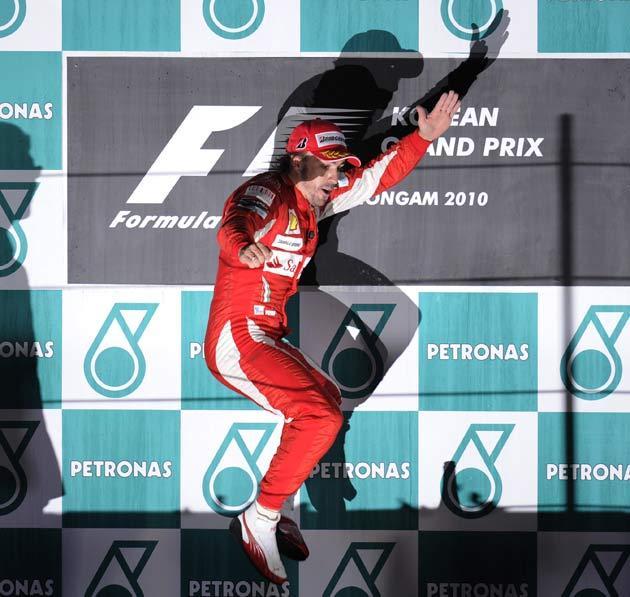 Alonso celebrates victory in Korea