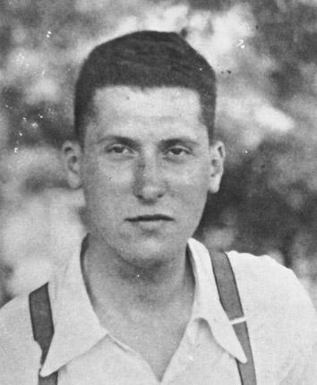 Lesser during his time as a volunteer in Spain in the late 1930s