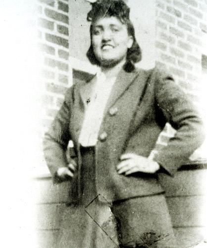 Henrietta Lacks died of cancer in 1951and she was buried in an unmarked grave
