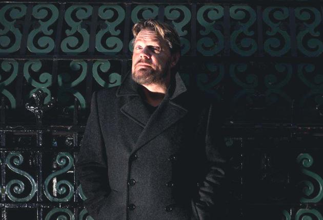 Eddie Izzard will use the language of laughter in Europe