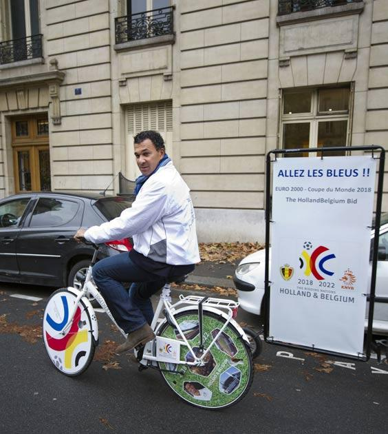 Gullit promotes the Dutch bid