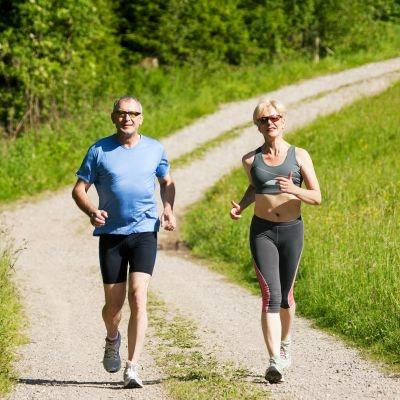 Researchers say how well you can run a mile in middle age can predict your risk of heart disease.