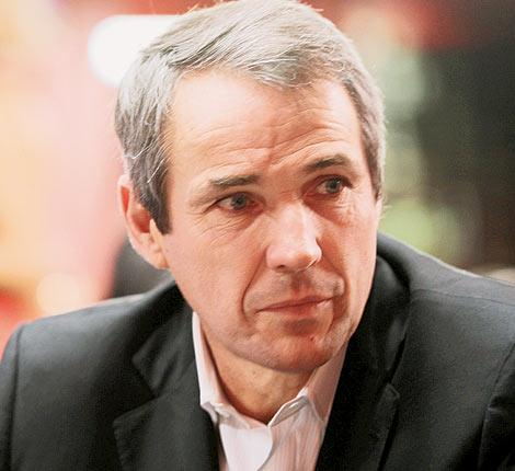 Alan Hansen rarely misses a chance to dig out his pointing trowel