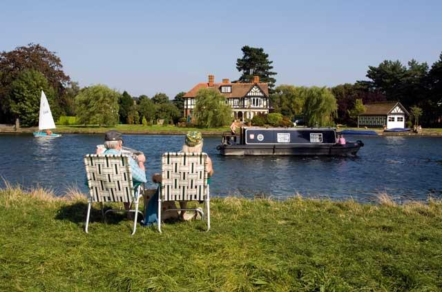 The flow of time: the River Thames near Bourne End