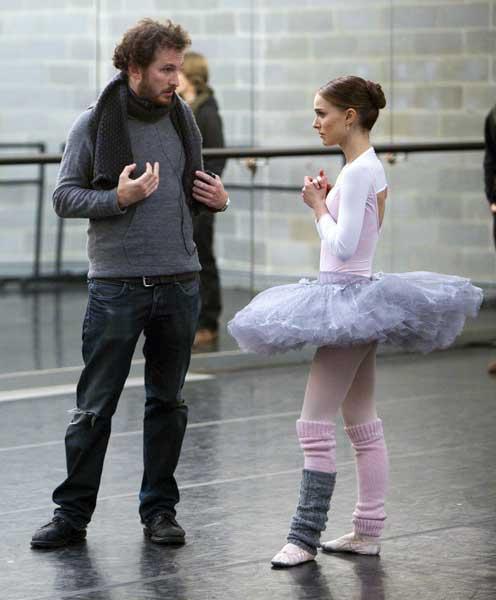 On set: 'Black Swan' director Darren Aronofsky and Natalie Portman