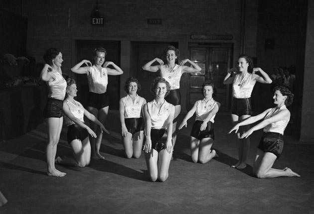 'The perfect girl': Stack (centre) with members of the Women's League of Health and Beauty in 1947