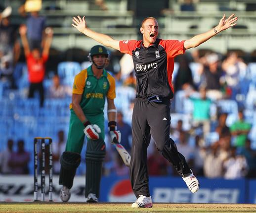 Stuart Broad appealing for the wicket of Dale Steyn, after bowling him LBW