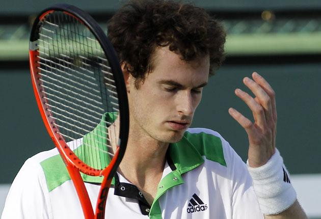 Andy Murray shows his frustration during his defeat against Donald Young in Indian Wells