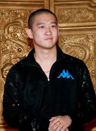 Beijing comedian Cao Yunjin has been lined up to present 'Highest Gear