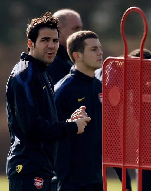 Fabregas says Arsenal must change if they are to win anything