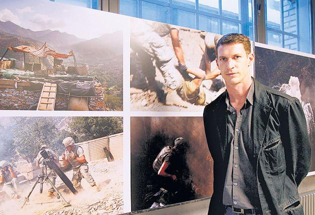 Tim Hetherington in Zurich after winning the 2007 World Press Photo Award for American Soldier taken in Afghanistan